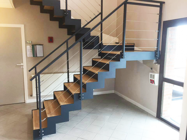 Escalier design demi tournant
