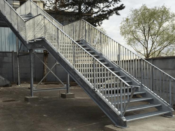 Escalier ERP gris