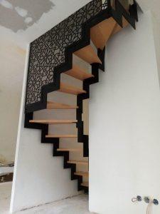 escalier acier bois claustra